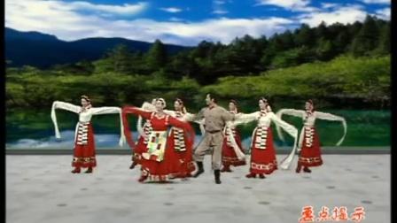 杨艺广场舞翻身农奴把歌唱队形演示1