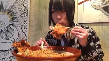 大胃小哥Draco挑战一大碗拉面[面条]日本吃播日本美食大胃挑战