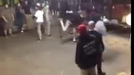【Xmusick】Hardcore crowd killing mattress throwing