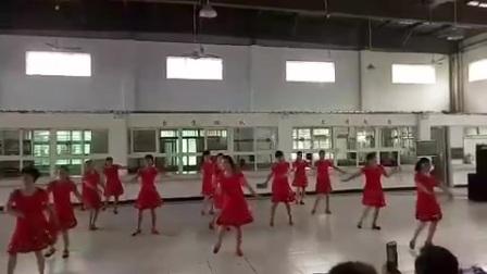 我妈的舞蹈~~