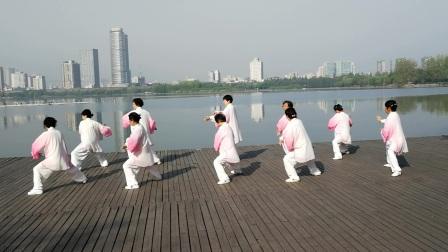 (20170415)南京玄武湖畔练42式太极拳
