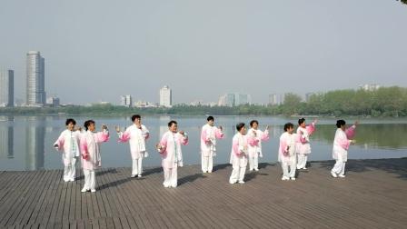 (20170415)南京玄武湖畔练48式太极拳