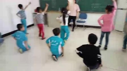 推动《国学》笔墨秀中华!记北京昌平海清学校,二年级的娃娃。