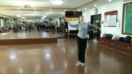 陆老师教蒙舞《天边》