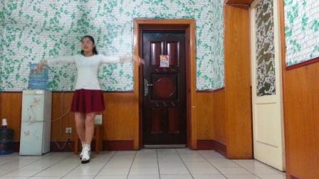《水月亮》简单傣族舞 演示:仙子