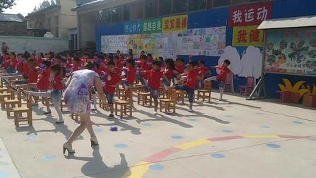 20170527西坛幼儿园大班板凳操