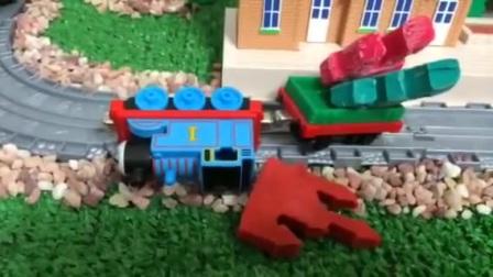 托马斯和他的朋友玩具火车故事Doh城堡让珀西满集惊喜