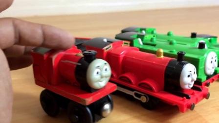 托马斯和他的朋友玩具火车托比,詹姆斯,轨道主人的鸭子,木头,玩n个游戏