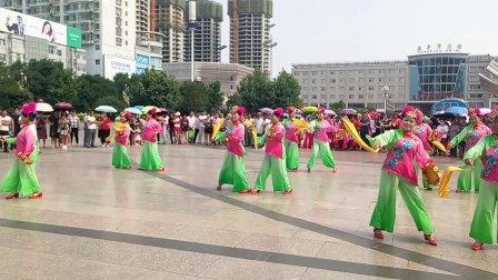 原平市班村枫叶红舞蹈队凤秧歌