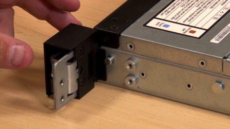 Lenovo Thinksystem SR630 Install Rack Latch
