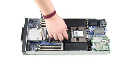 Lenovo ThinkSystem SN550 Remove CMOS Battery