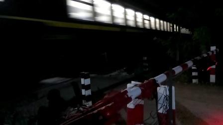 OK262回送车底,本务SS7C0041