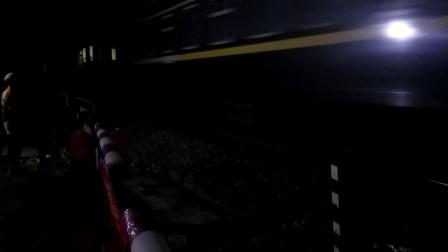 客车k205汉中一道停车