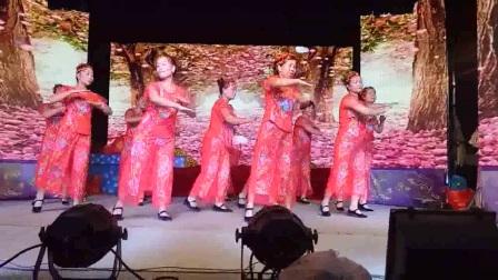 小苹果(联星西许姐妹合体舞蹈队---精彩演义)2017年8月