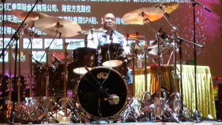 【中国好鼓手】Eric Moore的表演02
