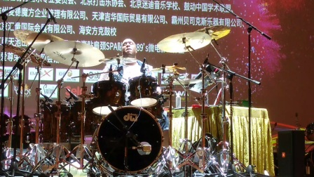 【中国好鼓手】Eric Moore的表演05