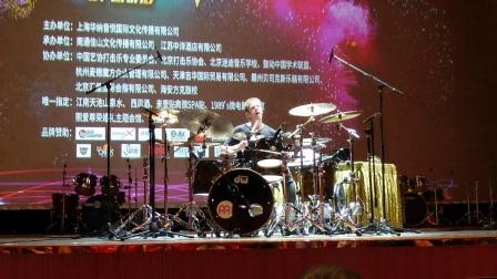 【中国好鼓手】Thomas Lang的表演04