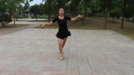学跳桑巴       杨柳