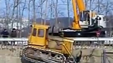 汽车吊倾覆事故实例安全教育视频