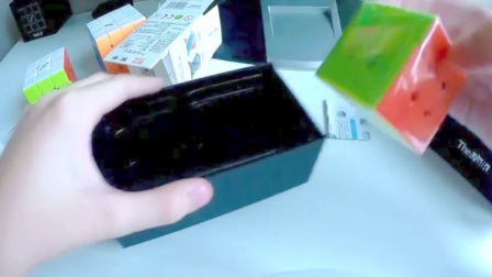 Unboxing QiYi Valk3 Mini & Twisty Skewb