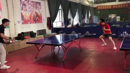 精英乒乓网天一同学正手弧圈连续发力
