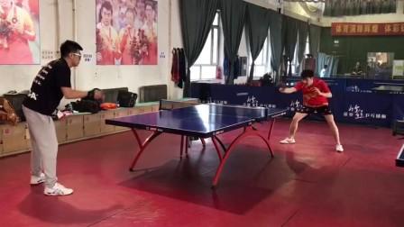 精英乒乓网天一同学反手弹击