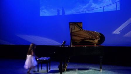 《侧耳倾听钢琴演奏会》-Grace