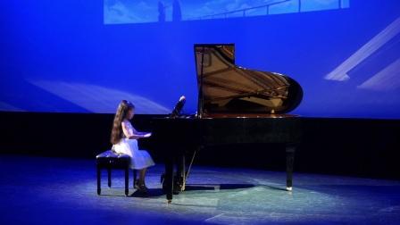 《侧耳倾听钢琴演奏会》-薛思静