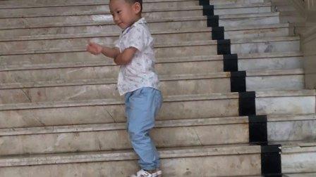三周岁 第一次进入了ktv 百嘉乐