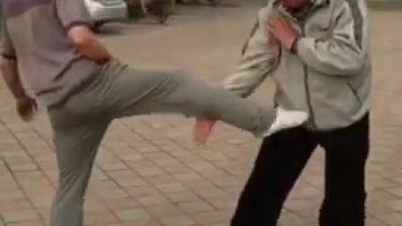 八极拳闭肘的应用