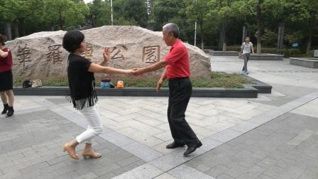 小妮宝舞水兵舞