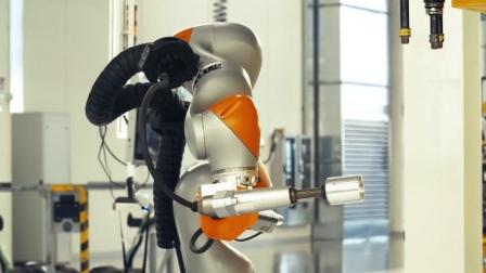 兰博基尼工厂生产线展示