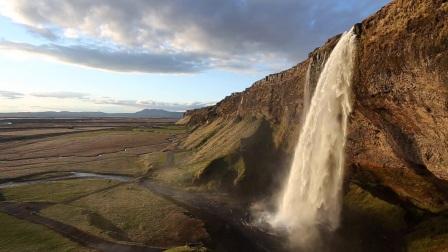 POWERFUL ICELAND