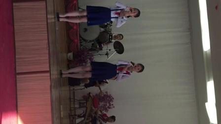 朝鲜小学生表演