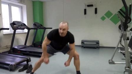 柔韧性搬腿练习
