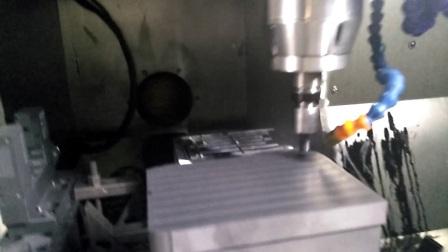 手机3D玻璃热弯成型石墨模具是如何制成的