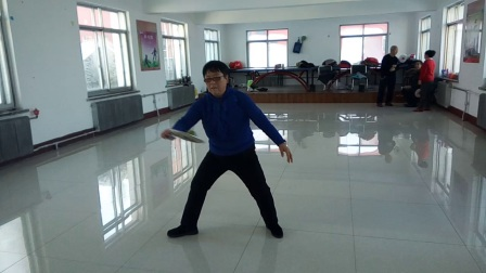 吕凤兰老师第四套柔力球示范动作