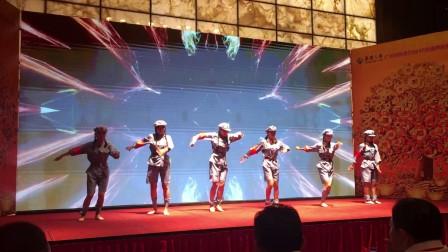 鼓舞倾城 女子红军舞蹈