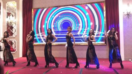 广州鼓舞倾城艺术团 6人性感旗袍扇舞