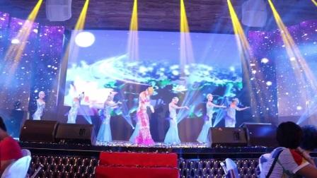 广州鼓舞倾城艺术团  8人傣族舞《年年有余》
