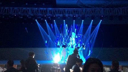 广州鼓舞倾城艺术团 7人现代舞视频秀《筑梦》 (3)