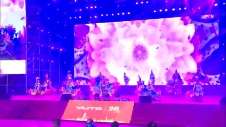 广州鼓舞倾城艺术团 男女现代舞