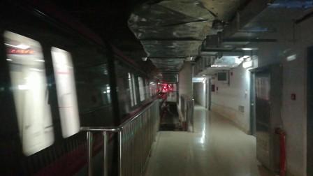 南京地铁s3号线(017018)南京南站折返。
