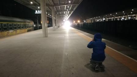 客车k283汉中四道停车