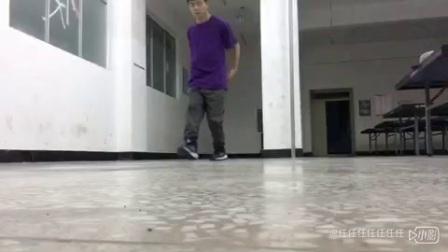 小B锅大学的第一次独自练舞