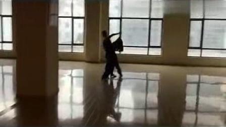 0145.    上海戏剧学院国标舞系曾蓥峰、苏梦旎成都摩登舞教学...