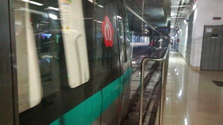 南京地铁s1号线(019020)南京南站折返。