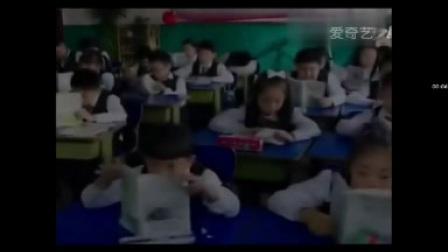 那个小学生在哈哈大笑的搞笑视频