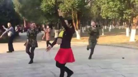 朵儿广场舞(雪山姑娘)