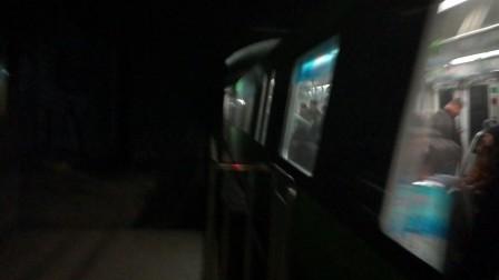 南京地铁三号线(未知牌号)出胜太西路站。
